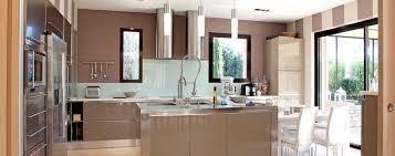 cuisine ilot central cuisson cuisine avec îlot central choix du modèle plan idées d aménagement