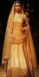 robe de mariã e indienne les 25 meilleures idées de la catégorie sabhyasachi lehenga sur