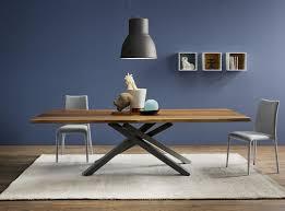table design en bois pechino epoxia mobilier