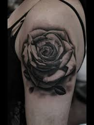 3d like superior detailed black and white on forearm