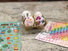 4 ways to decorate easter eggs the mommy spot tampa bay