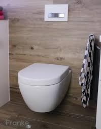 badezimmer fliesen g nstig badezimmer mit fliesen in einer holzoptik v b subway 2 0 weiss