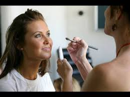 become makeup artist how to become a makeup artist makeup