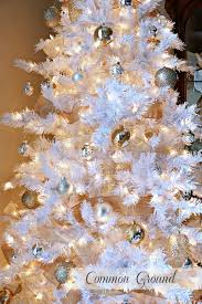 White Christmas Tree With Gold Decorations How To Decorate A White Christmas Tree Blog Treetopia Com
