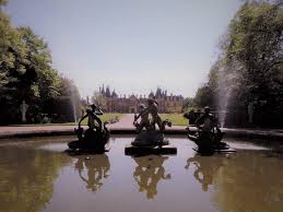 a perfect day at baron rothschilds u0027 waddesdon manor be lavie