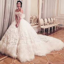 feather wedding dress 30 flirty and eye catchy feather wedding dresses weddingomania
