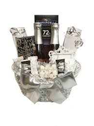 same day delivery gift baskets 17 best chagne gift baskets images on delivery