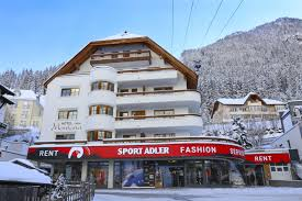 hotel garni montana rooms and apartments in ischgl hotel ischgl