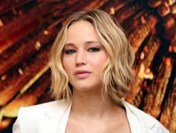 how to style a wob hairstyle how to get jennifer lawrence s wavy bob aka wob
