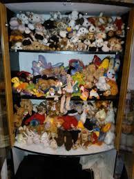 19 display images stuffed animals
