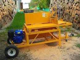 Firewood Saw Bench Produced In Poland Wood Saw Powered By Gasoline Engine Youtube