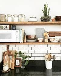 tablette special cuisine rangements ouverts dans la cuisine 10 façons de les adopter