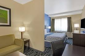 Comfort Inn Suites Jfk Airport Hotel Days Ozone Park Queens Ny Booking Com