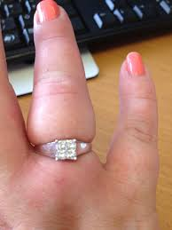 Wedding Ring Finger by How To Get A Ring Off Swolen Finger Wedding Planning Discussion