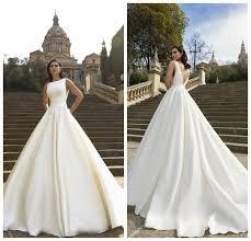vintage white sleeveless wedding dresses satin court train crew