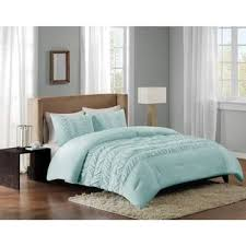 What Is The Best Material For Comforters Best 25 Aqua Comforter Ideas On Pinterest Giraffes Giraffe And