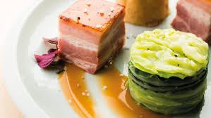 cuisiner pied de porc poitrine de porc écrasé de pommes de terre huîtres et pieds de
