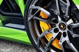 lamborghini aventador wheels verde ithaca lamborghini aventador spotted in kuwait with pur