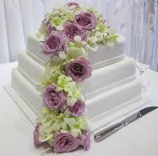 wedding flowers ideas beautiful purple fresh wedding flowers