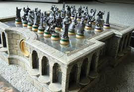 cool chess pieces noble collection newline entertainment lord of the rings chess