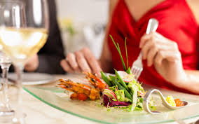 5 ways to save money eating out