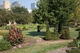 Columbus Topiary Garden - why you should eat drink and get merry in columbus ohio