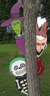 Christmas Yard Art Decorations by 25 Best Halloween Yard Art Ideas On Pinterest Halloween Yard