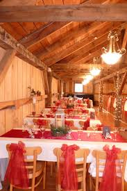 thanksgiving point barn couple dancing barn weddin barn wedding texas rustic barn