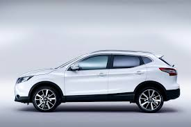 nissan qashqai 2013 black old vs new comparing the new qashqai with eurolease direct