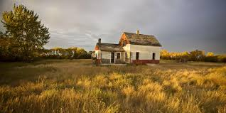 tips for buying an old farmhouse landthink