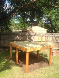 Build A Backyard Fort Dad Lays Out 4 Wooden Boards To Create An Incredible Fort For His