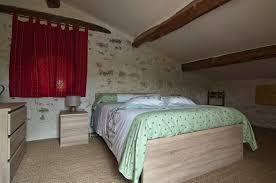 chambre image chambres d hôtes fontaine neuve à cruis accueil paysan paca