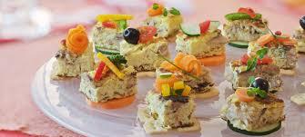 canape de canapé de omelete de sardinha gomes da costa