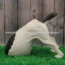 china polyresin digging garden ornament for outdoor decoration
