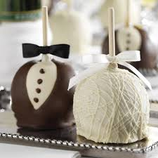 25 edible wedding favors your guests won t leave bridalguide