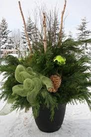 Plants For Winter Window Boxes - best 25 winter planter ideas on pinterest diy christmas urns