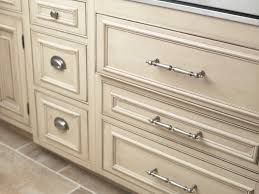 choosing the right kitchen cabinet hardware u2013 myknobs com blog