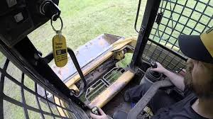 how to run a caterpillar skid steer operate drive a 226b 232b 242