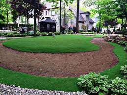 Building A Backyard Putting Green Backyard Putting Green With Artificial Grass Sgc