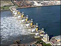 thames barrier failure bbc news uk new thames barrier could be built