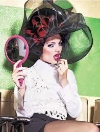 sissy boys under hair dryers femme sous le sechoir miroir a la main coiffure casque sechoir
