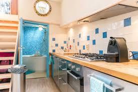 Berlin Wohnzimmer Der Stadt Wohne Auf Einem Luxus Hausboot In Der Stadt Der Grachten