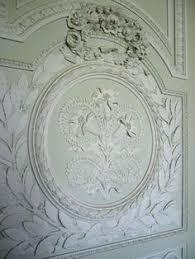 plaster ornamentation white spaces ceilings