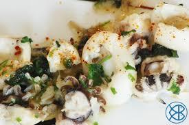 cuisiner des seiches recette espagnole sepia frita con ajo y cilantro tapas de seiches