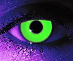 glow in the in the contact lenses