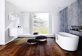 badezimmer mit holz inspiration holz und stoff bringen wohnlichkeit badezimmer