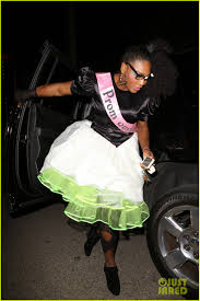 halloween prom serena williams is an u002780 u0027s prom queen for halloween photo