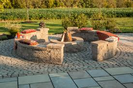 antika paver patio with villagio border mini creta sitting wall