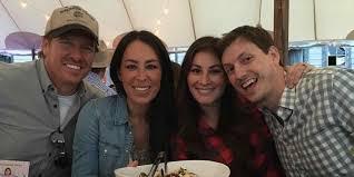 joanna gaines parents siblings gaines bio hgtv honors parentsu th anniversary uan exle