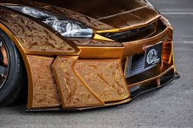 metal engraving gold nissan gt r with metal engraving has matching gold engine in